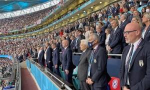 """PAP: Finał Euro 2020 """"znacząco przyczynił się do rozprzestrzeniania się COVID-19"""""""