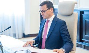 Większość Polaków negatywnie ocenia rząd PiS. Najnowszy sondaż CBOS