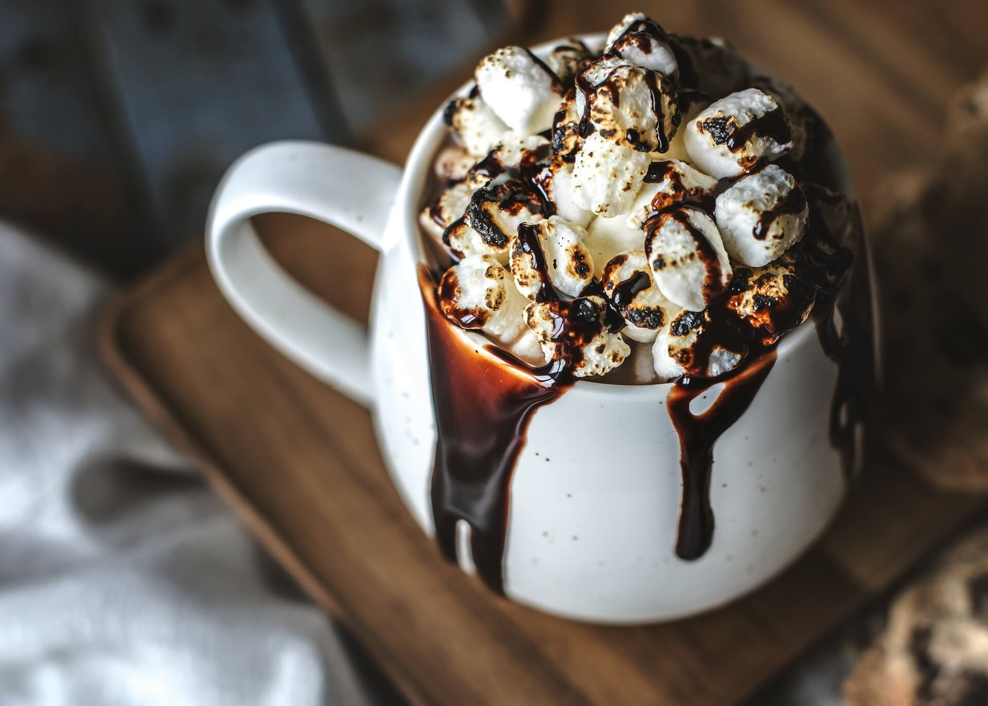 A JPG of chocolate with marshmellows.