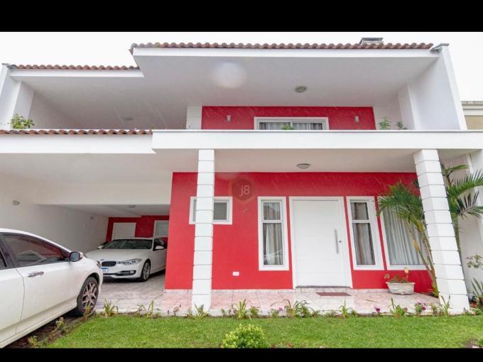 BRA- Casa em Curitiba -PR