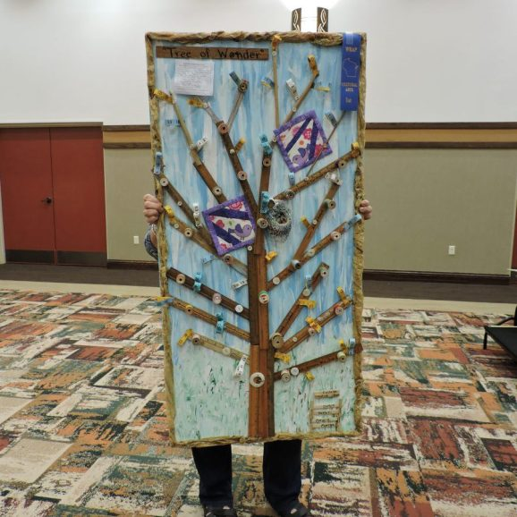 """Residents Betty Crusan, Betty Eddy, Marilyn Rybarcyk &Margaret Herber from Prairie Maison with project entitled """" Recycle"""" with WRAP MemberShelly Slama"""