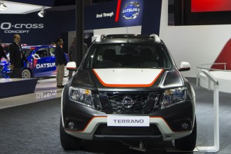 Satin Black Nissan Terrano Wrap