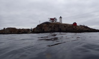 diving nubble light