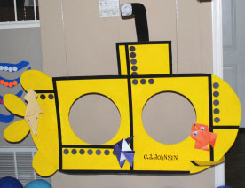 3. Submarine photo prop