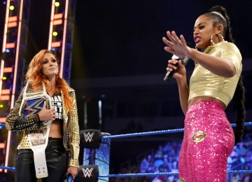 Biacna Belari e Becky Lynch no Smackdown