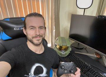 Adam Cole e suas transmissões na Twitch