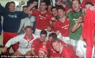 1992: celebrations after beating Arsenal.