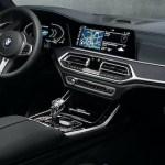(BMW Individual)インテリアトリムは2パターンの組合せがイイですね