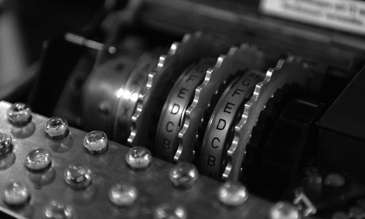 WM_Enigma_rotors_bw