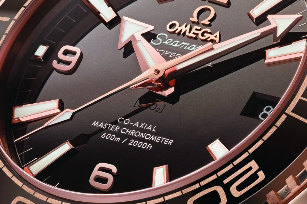 Omega-Seamaster-Planet-Ocean-600m-Master-Chronometer-39.5mm-Sedna-Gold-brown-dial-baselworld-2016-ref.-215.63.40.20.13.001-11