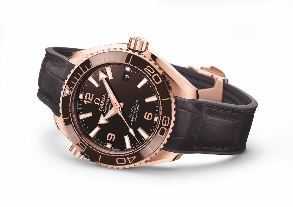 Omega-Seamaster-Planet-Ocean-600m-Master-Chronometer-39.5mm-Sedna-Gold-brown-dial-baselworld-2016-ref.-215.63.40.20.13.001-15
