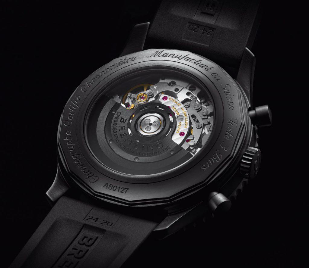 Breitling-Navitimer-46-Blacksteel_04