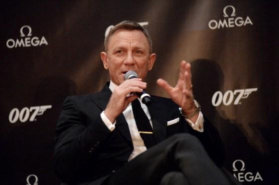 4. Daniel Craig at OMEGA press conference_low