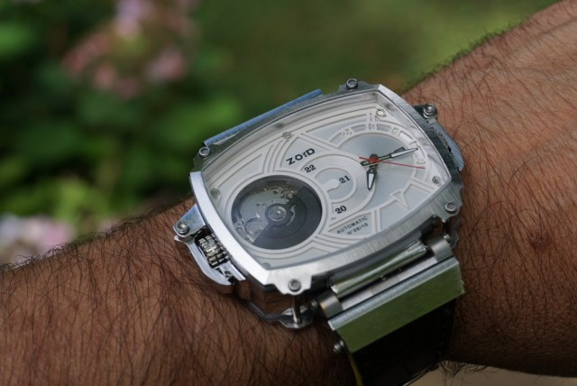The Zoid Dual Face – A watch with multiple personalities