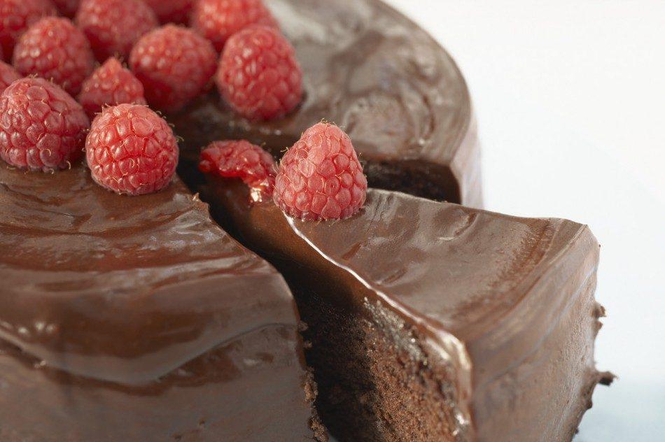 Send A Chocolate Cake Wellington