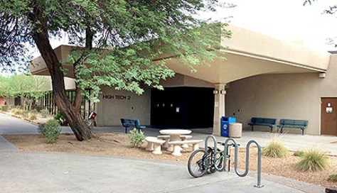 Image of the entrance to High Tech 2 on the Glendale Community College Campus