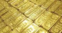 gold near dollar