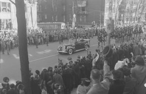 Royal_Visit._King_and_Queen_(Sherbrooke_St)_BAnQ_P48S1P04233