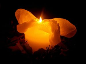 candle-230446_1280