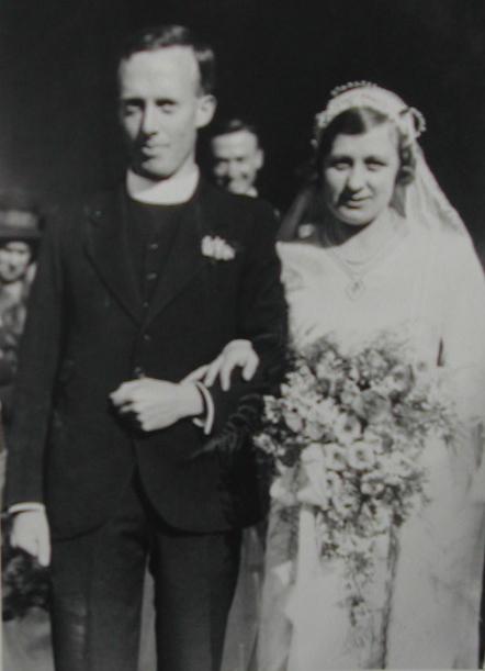 Wedding photo of David Taylor and Celia Twyneham