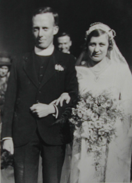 Wedding photo of David Taylor and Celia Twyneham