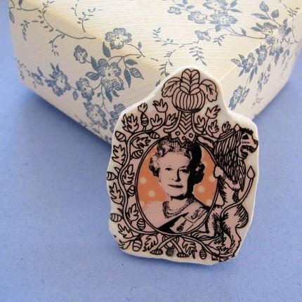 Queenie Elizabeth brooch by lovelysweetwilliam, $15