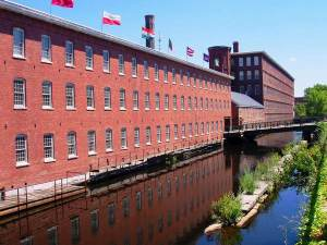 Mill_Building_(now_museum),_Lowell,_Massachusetts