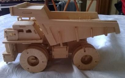 From https://writerfighter.wordpress.com/2014/01/04/woodcraft-construction-dump-truck/