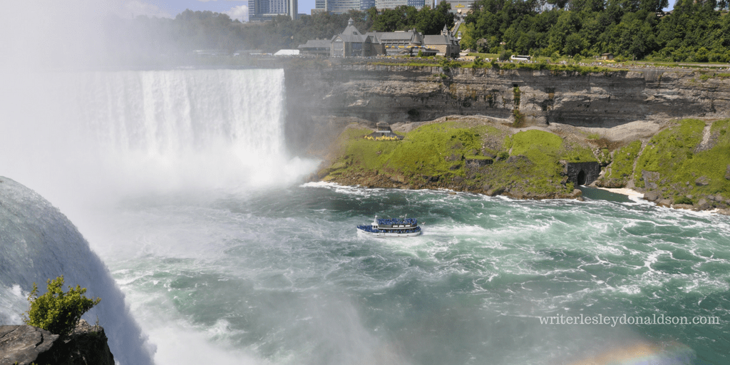 #NiagaraFalls, Niagara Falls, #MaidoftheMist, Maid of the Mist, Wordless Wednesday, #WordlessWednesday, Lesley Donaldson, Niagara Canada, waterfalls, world wonder, water falls