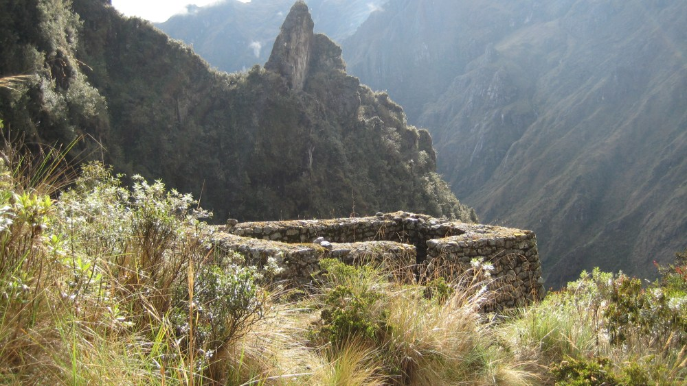 Peru Travel Blog: 30th September 2011: Inca Trek Day #3: The Last Pichu Show‏ (2/6)