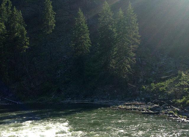 seattle to leavenworth - wenatchee river