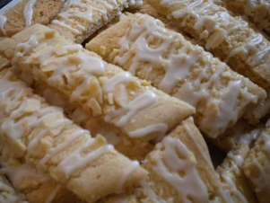 Scandinavian Almond Bar cookie recipe | writes4food.com