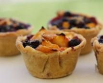 adorable mini fruit pies