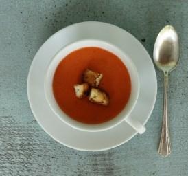 recipe for smooth tomato gazpacho | writes4food.com