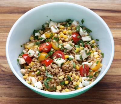 whole grain farro salad with corn and tomatoes recipe | writes4food.com
