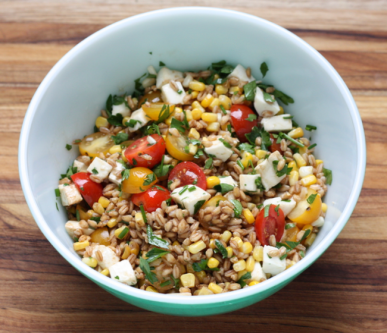 whole grain farro salad with corn and tomatoes recipe | writes4food.com