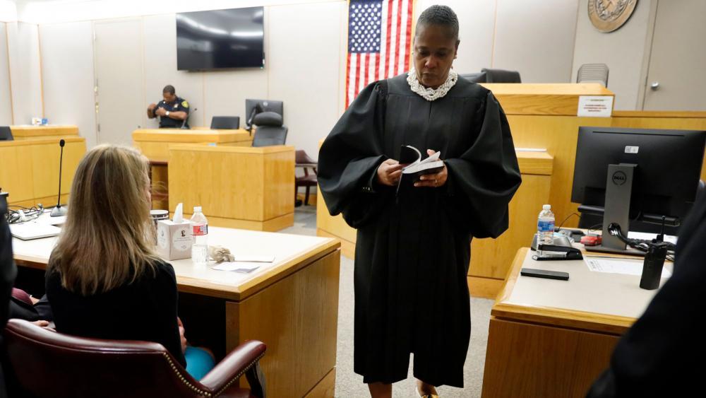 judge-tammy-kemp-bible_hdv