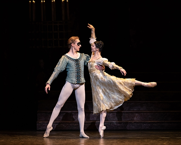 Osipova and Hallberg in Romeo and Juliet