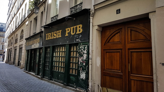 Traces of the Irish in Paris