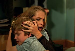 lights-out-movie-review-8