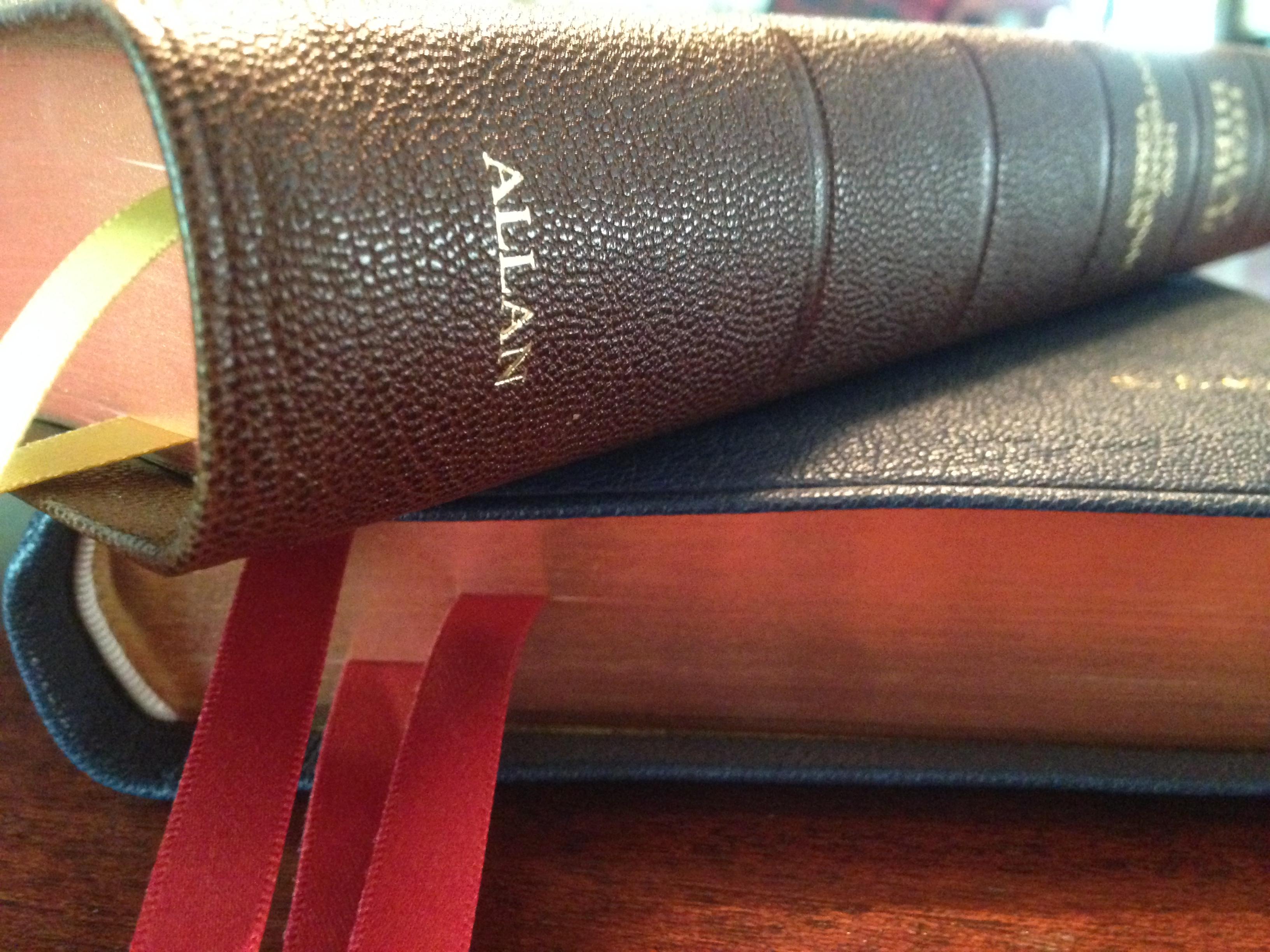 NIV Bibles By R L Allan Amp Son A Comparison Holy Writ
