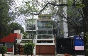 Casa de Manuel Bartlett en Prado Norte 325 C
