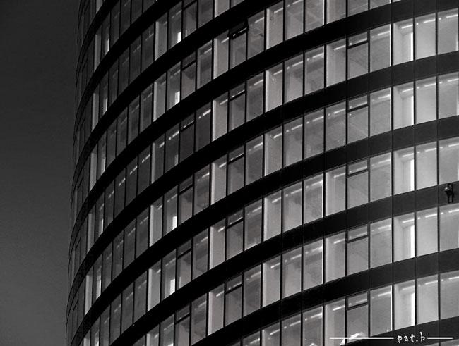 Sky Tower foto black white