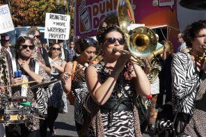cambridge honkfest oktoberfest parade 4