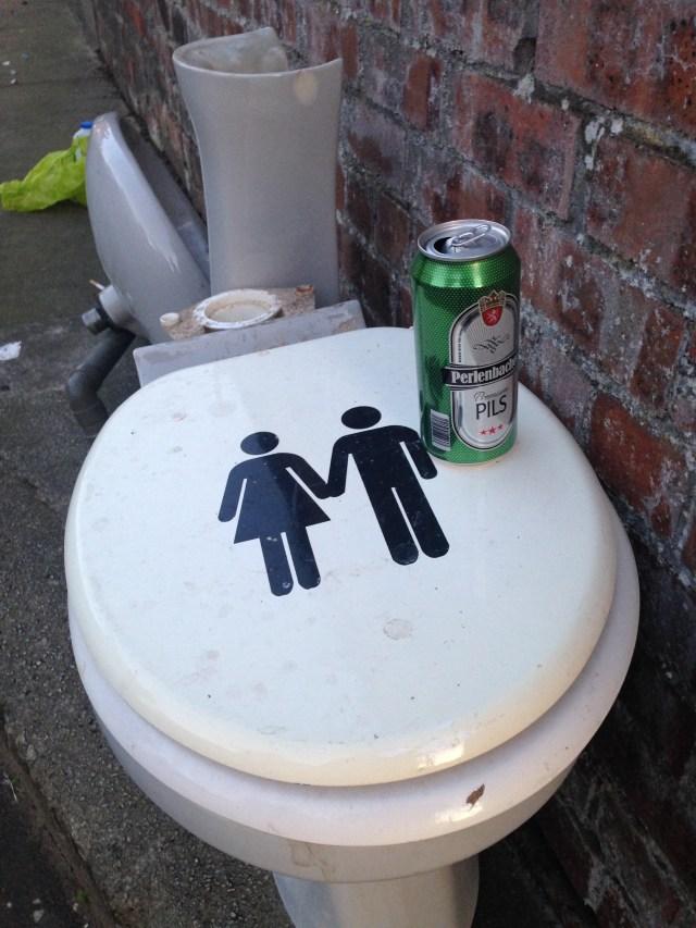 glasgow toilet