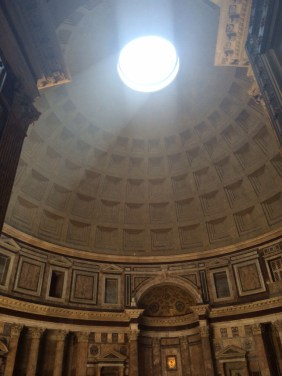 The interior of the Pantheon, Roma.