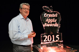 Jerry Holloway Crystal Apple 2015 (1)