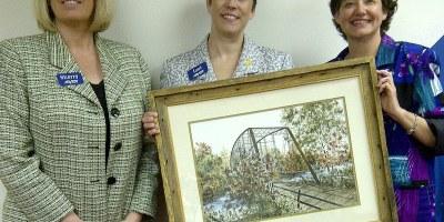 Arvest donates paintings