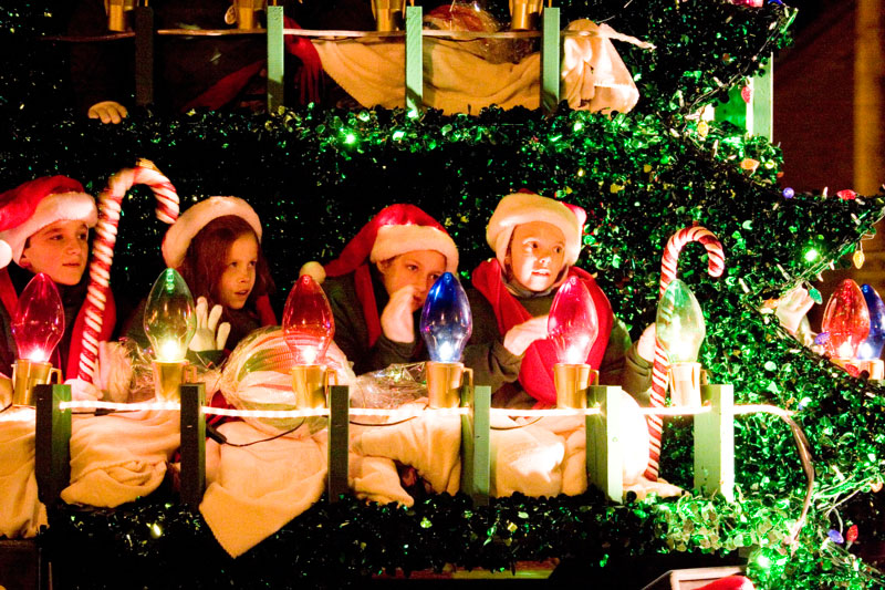 the adoration parade - When Does Branson Mo Decorate For Christmas