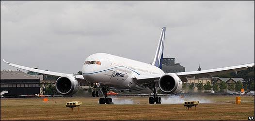 B-787 Aterrizando en la feria de Farnborough